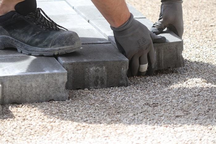 Pracovna obuv z odolného materiálu